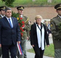 Na Národním hřbitově v Terezíně se uskutečnila tryzna