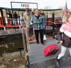 Přerušení provozu přívozu ve Štětí