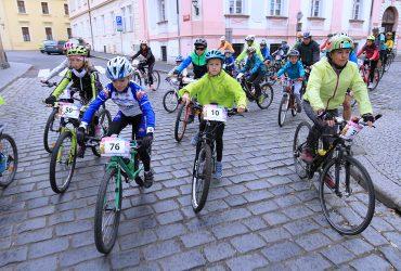 MTB Tour dává závodníkům žolíka a divákům pestrý program